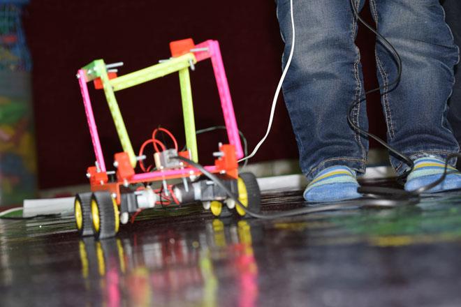 مسابقه رباتیک مهد آفتاب